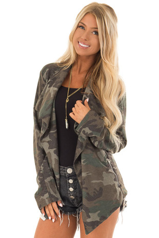 Camo Open Front Light Weight Jacket with Zip Up Pockets front close up