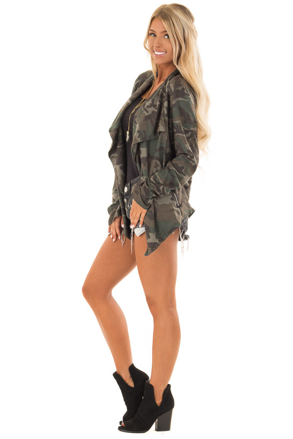 Camo Open Front Light Weight Jacket with Zip Up Pockets side full body