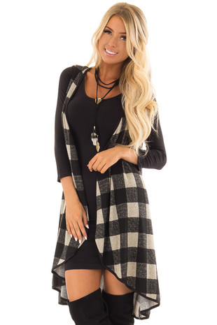 Black Checkered Sleeveless Open Front Vest front closeup