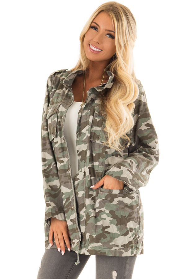 Camouflage Cargo Jacket with Zipper and Velcro Details front closeup