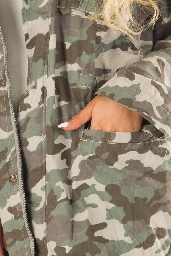 Camouflage Cargo Jacket with Zipper and Velcro Details front detail
