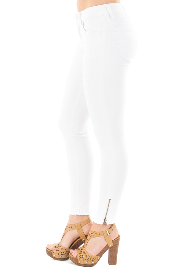 White Skinny Jeans with Zipper and Frayed Edge Detail side right leg