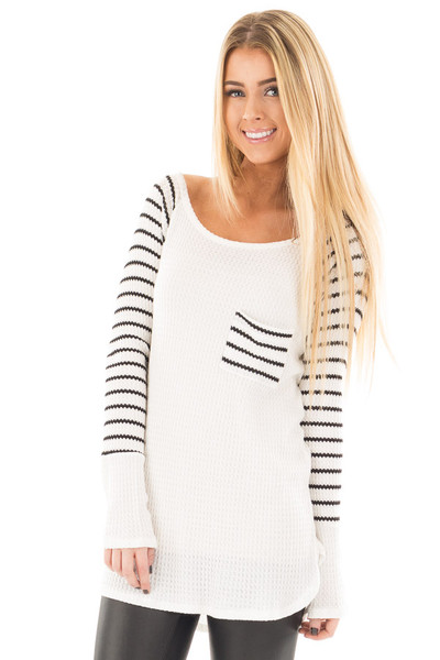 Ivory Hi-Low Raglan Sleeve Top with Knit Front Pocket Detail front close up