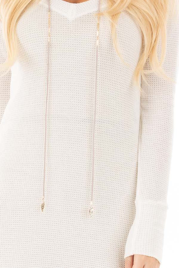 Ivory Thermal Knit Long Sleeve V Neck Top detail