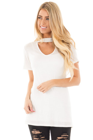 Ivory Cut Out V Neck Short Sleeve Top front close up