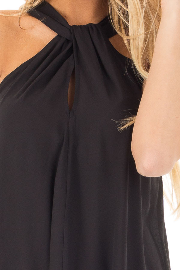 Black Sleeveless Woven Keyhole Twist Front Detail detail