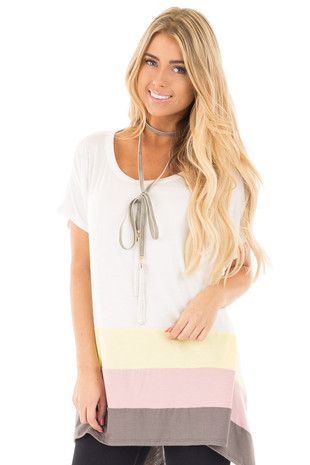 Ivory Color Block Flowy Short Sleeve Tunic front close up