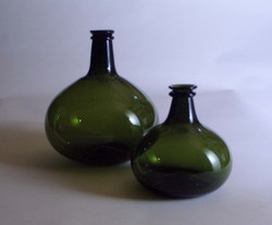 g158a Dark Green Small  Onion Bottle