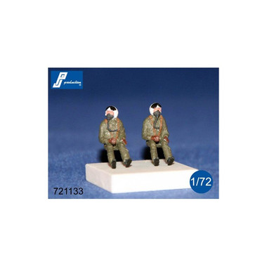 PJ Productions 721133 2x NATO pilots seated in a/c 60s Figures 1:72