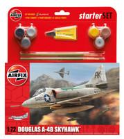 Airfix A55203 Douglas A4-B Skyhawk Starter Set 1:72 Scale Model Kit