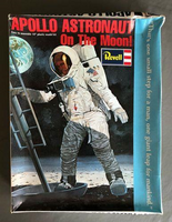Revell H-1860 Apollo Astronaut on the Moon 1:6 Scale Model kit