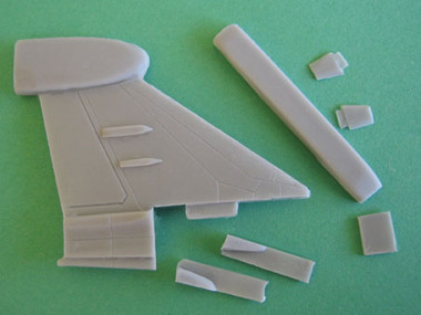 OzMods-Scaledown EF-111A Conversion tail, gondola, aerials Accessories 1:144