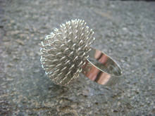 Ring with 25mm Wide Mesh Ball