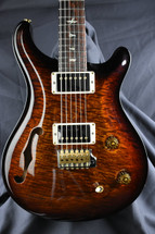 PRS Wood Library Custom 22 Semi Hollow 1pc Diagonal Flame Top