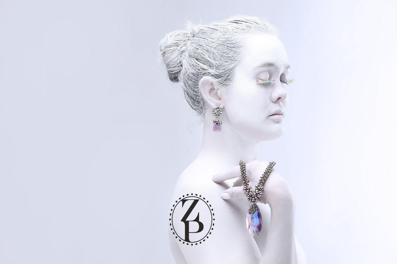 body-paint-editorial-photoshoot-magazine-model-jewelry-zuri-perle.jpg