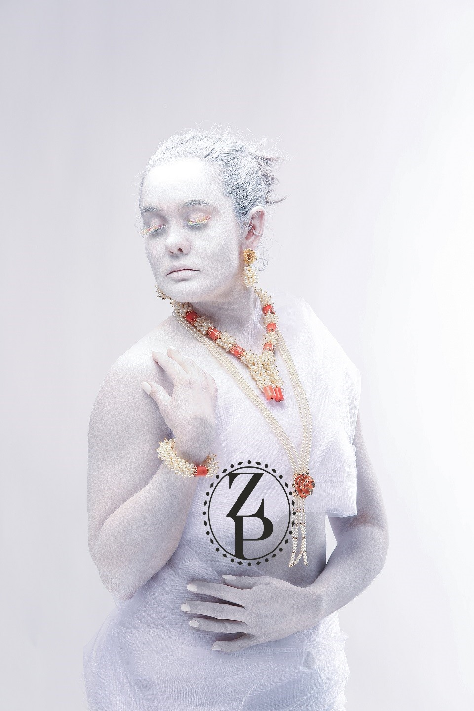 body-paint-editorial-photoshoot-model-coral-nigerian-jewelry-zuri-perle.jpg