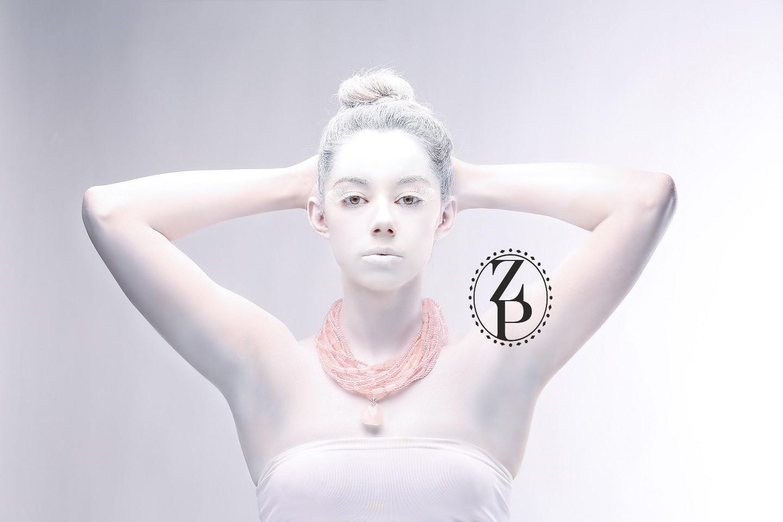 editorial-body-paint-photoshoot-model-jewelry-zuri-perle.jpg