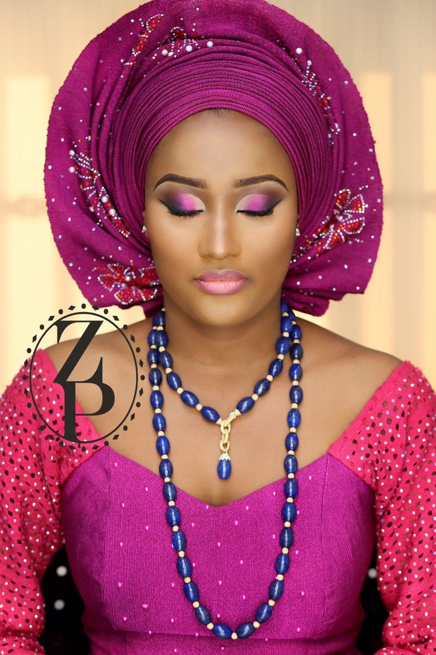 fuschia-pink-aso-oke-yoruba-bride-blue-lapis-jewelry-gele-makeup-nigerian-wedding-zuri-perle.jpg