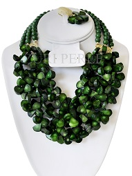 green-coral-tear-drop-bead-zuri-perle-handmade-necklace.jpg
