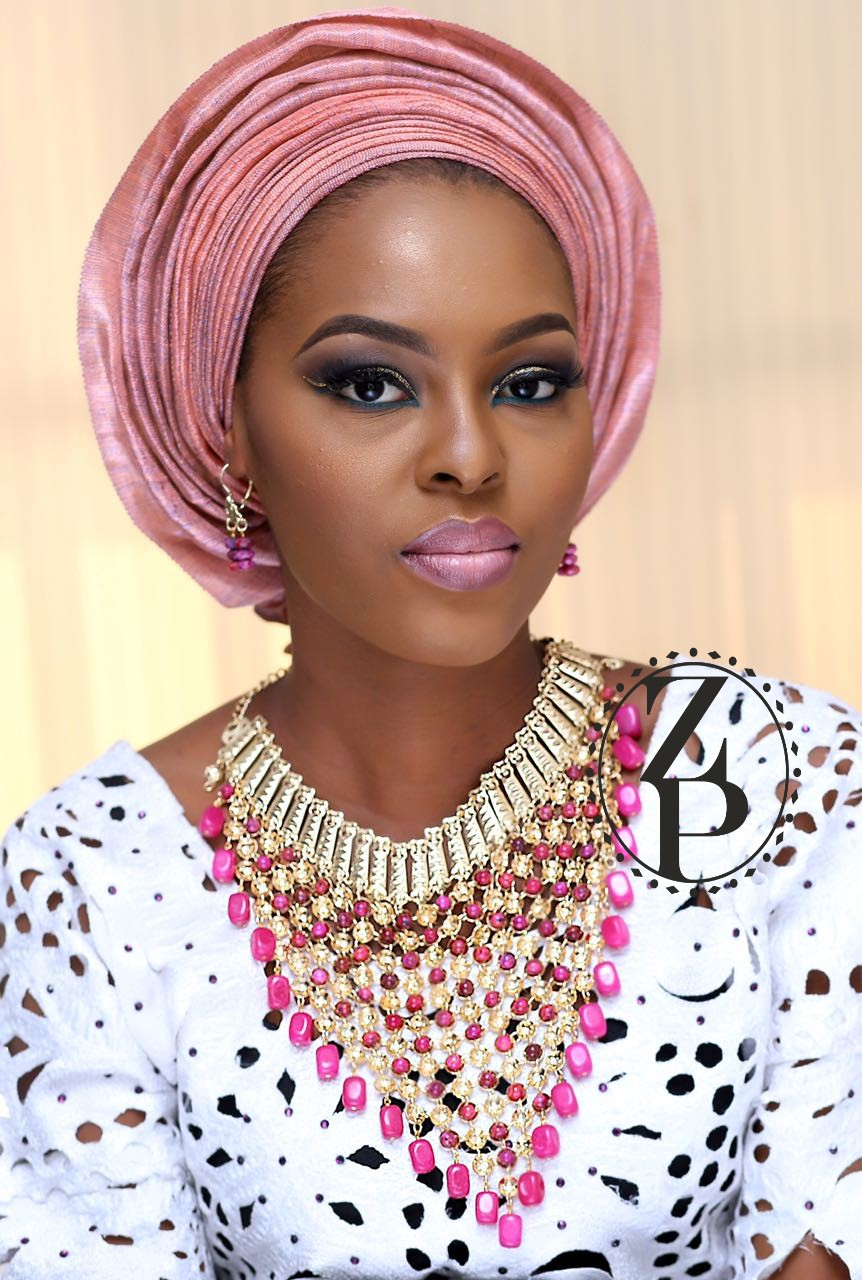 nigerian-woman-yoruba-aso-oke-pink-gele-beads-make-up-wedding-zuri-perle.jpg