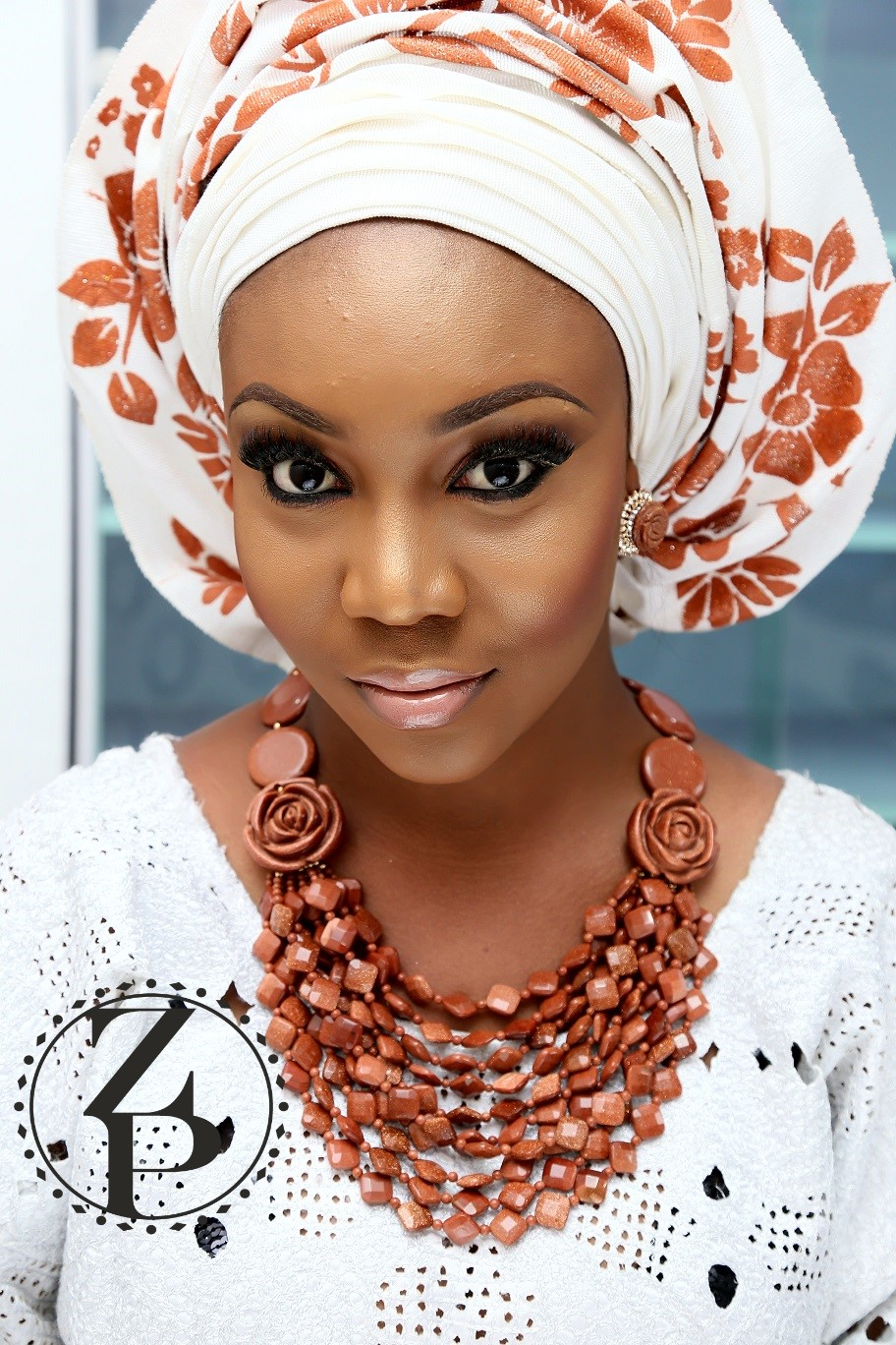 nude-glam-make-up-nigerian-wedding-outfit-and-bead-jewelry-zuri-perle.jpg