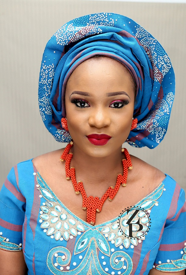 orange-coral-beads-zuri-perle-blue-aso-oke-nigerian-wedding-outfit.jpg