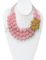 pink-cluster-pearls-zuri-perle-handmade-necklace.jpg