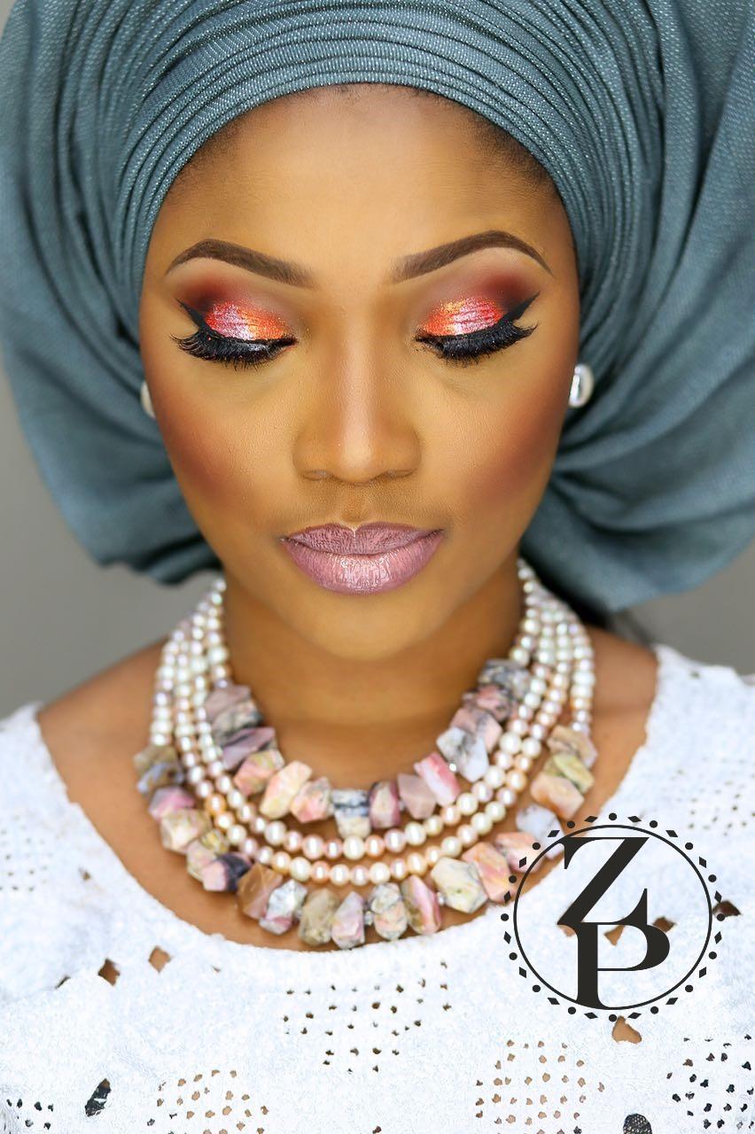 yoruba-aso-oke-nigerian-woman-wedding-outfit-pink-opal-bead-jewelry-zuri-perle.jpg