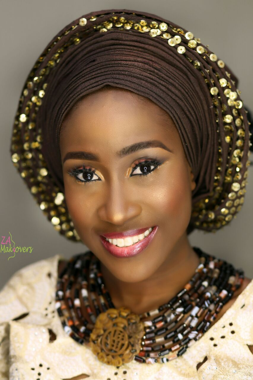 yoruba-bride-brown-aso-oke-and-gele-nigerian-wedding-jewelry-zuri-perle.jpg