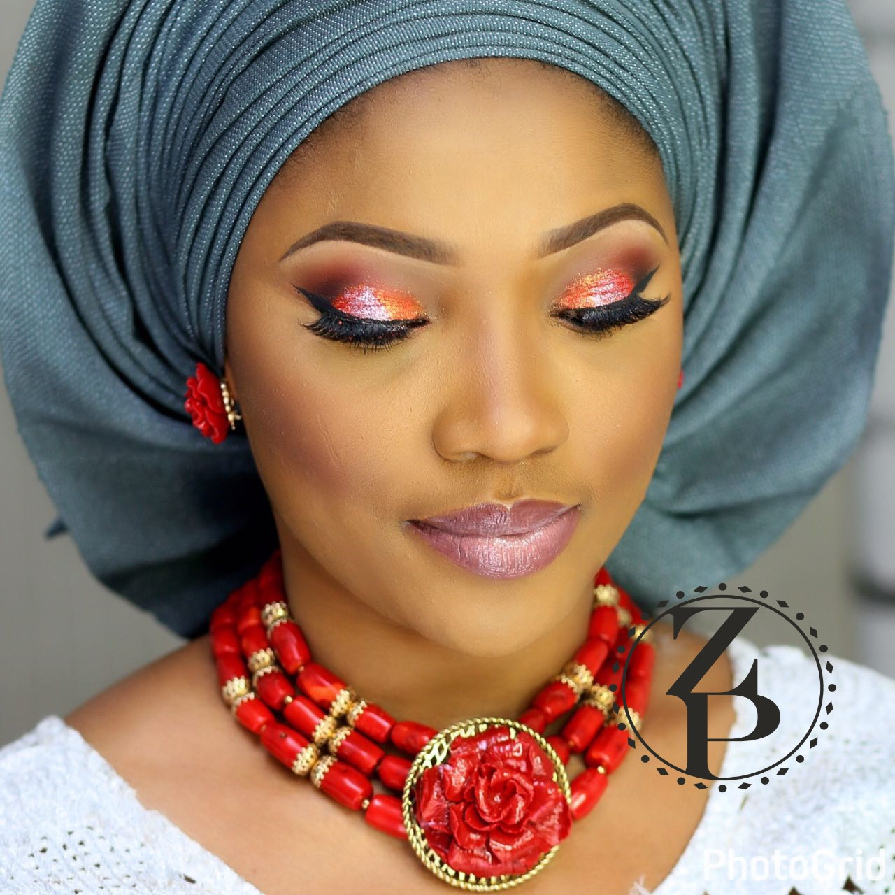 yoruba-bride-in-red-coral-beads-jewelry-white-aso-oke-gele-makeup-nigerian-wedding-zuri-perle.jpg