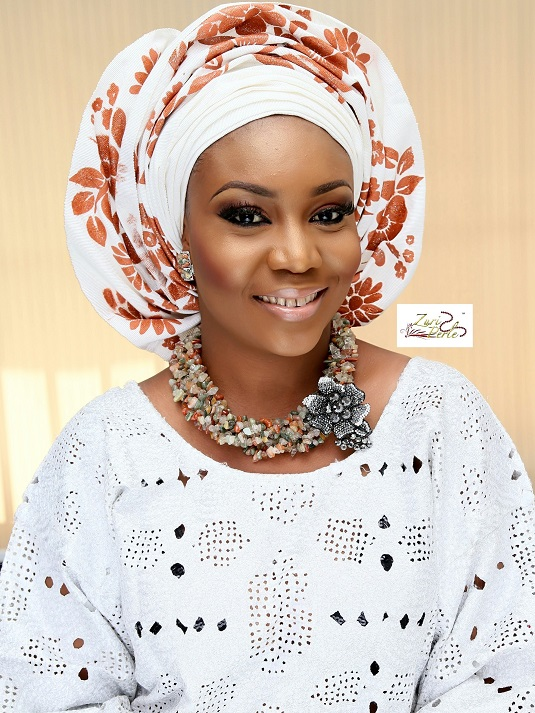 yoruba-wedding-outfit-and-beads-for-nigerian-wedding-zuri-perle.jpg