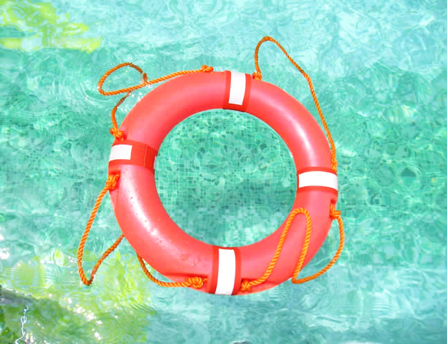 Advantages And Disadvantages Of A Saltwater Swimming Pool