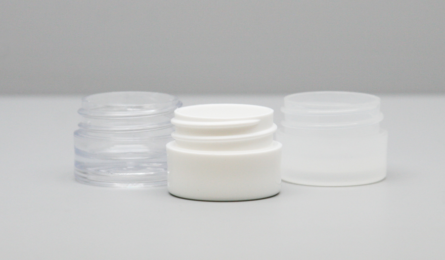 These 33mm Plastic Jars are ideal for concentrated forms of cannabis, like CBD or wax. Click to browse Parkway Plastics' wide selection of jars.