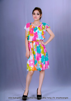 Calvin Klein Đầm Voan Sắc Màu