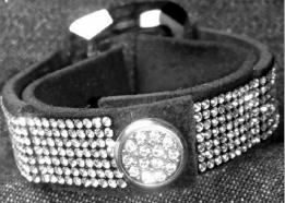 swarovski-diy-crystal-bracelet-.png
