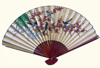 35 inch high gold fan with doves