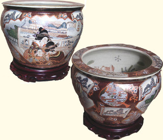 Oriental porcelain fishbowl in three Geishas Design