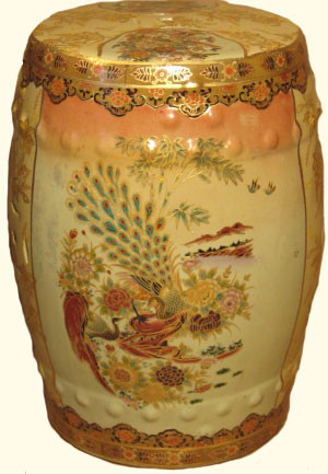 Garden Stool In Chinese Porcelain With Gold And White