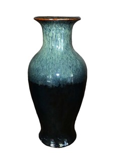 Chinese Porcelain Fishtail Vase Hand Glazed in Rich Black and Green Color Drip