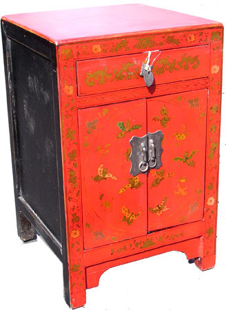 Superbe 15 Inch Wide End Table. 2 Doors, 1 Drawer