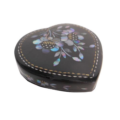 Pill Box In Asian Heart Design In Black Lacquer Oriental