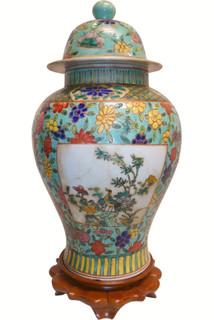 famille verte porcelain jar