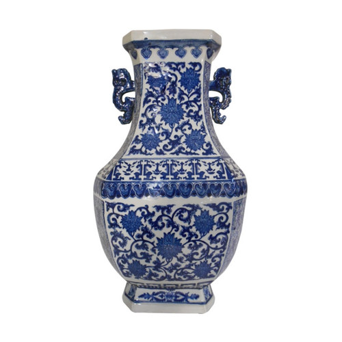 Vase In Chinese Porcelain With Blue And White Dragon