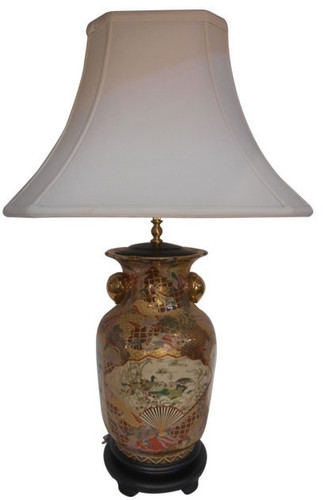 Chinese Table Lamp In Chinese Porcelain With Gold Peach