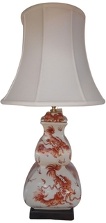 Red and white porcelain lamp