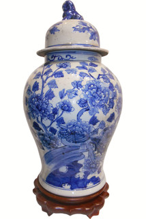 Chinese Porcelain Lion Lid Jar