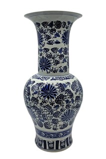 Long Neck Blue and white Porcelain Vase in Daisy Painted