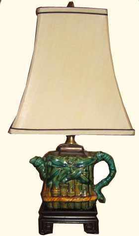 Porcelain tea pot lamp with rosewood stand