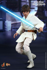 Hot Toys – MMS297 – Star Wars: Episode IV A New Hope: 1/6th scale Luke Skywalker Collectible Figure