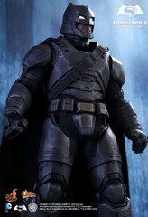 HOT TOYS MMS349 BATMAN V SUPERMAN: DAWN OF JUSTICE ARMORED BATMAN 1/6TH SCALE COLLECTIBLE FIGURE